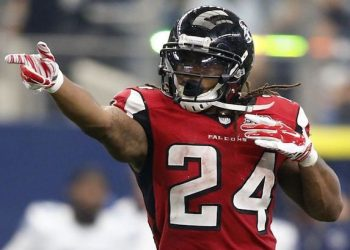 DraftKings NFL Week 1 Picks: Top QBs, RBs, WRs and TEs