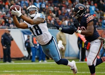 NFL Week 5 Daily Fantasy Value Plays at QB, RB, WR, TE, and D/ST for DraftKings and FanDuel
