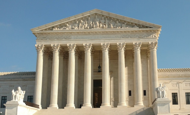 Supreme Court Strikes Down Federal Sports Betting Ban, Opening Door for Expansion Nationwide