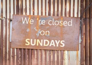 closed on sundays sign