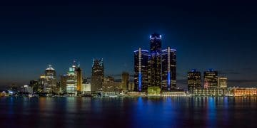 Detroit, Michigan skyline at night shot from Windsor, Ontario (Shutterstock)