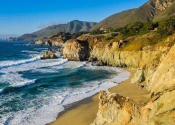 Big Sur, Monterey County, California (Shutterstock)