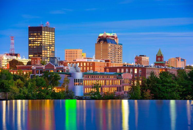 Manchester, New Hampshire, USA Skyline on the Merrimack River (Shutterstock)