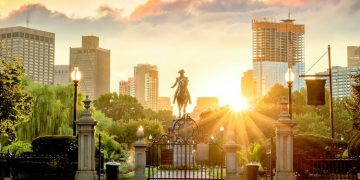George Washington monument in Public Garden, Boston Massachusetts (Shutterstock)