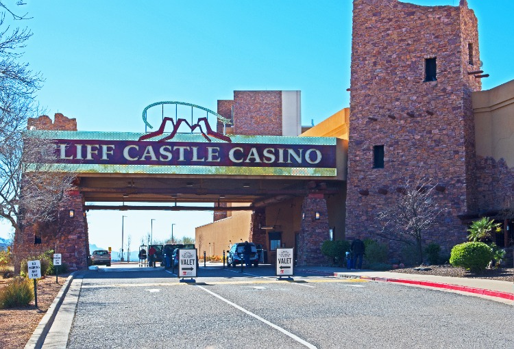 Cliff-Castle-Casino-Entrance