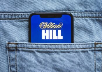 William-Hill-Phone-Jeans-Pocket