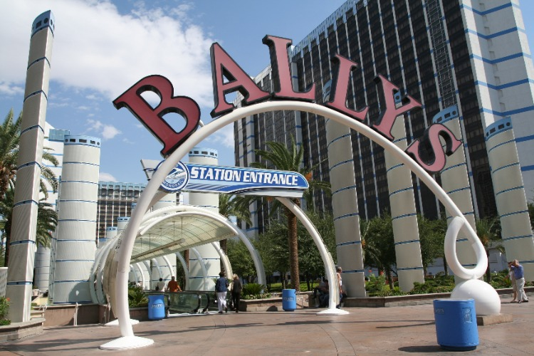 Entrance-Ballys-Train-Station