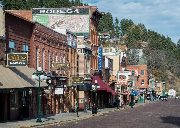 Downtown-Deadwood-Main-Street