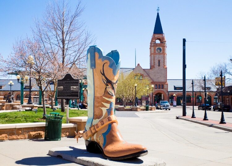 Wyoming-Giant-Cowboy-Boot-Statue