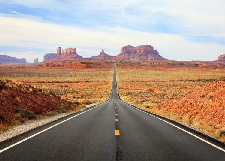 Road-to-Monument-Valley-Arizona