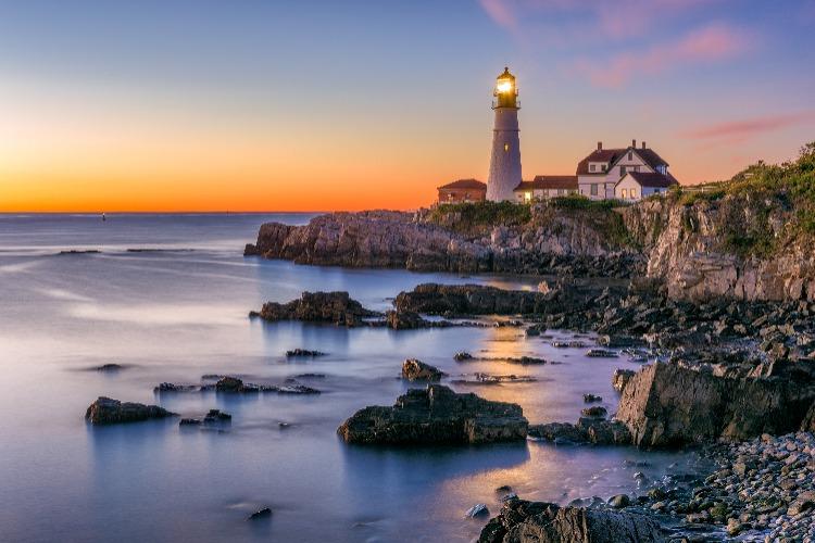 Maine-Lighthouse-Dusk