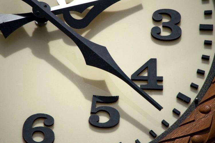 clock-face-three-to-six