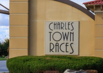 Charles-Town-Races-Entrance