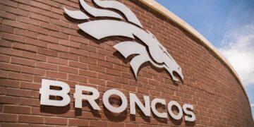 Denver-Broncos-Logo-Building