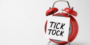 Tick-Tock-Alarm-Clock