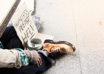 Homeless-Person-Sign-Help